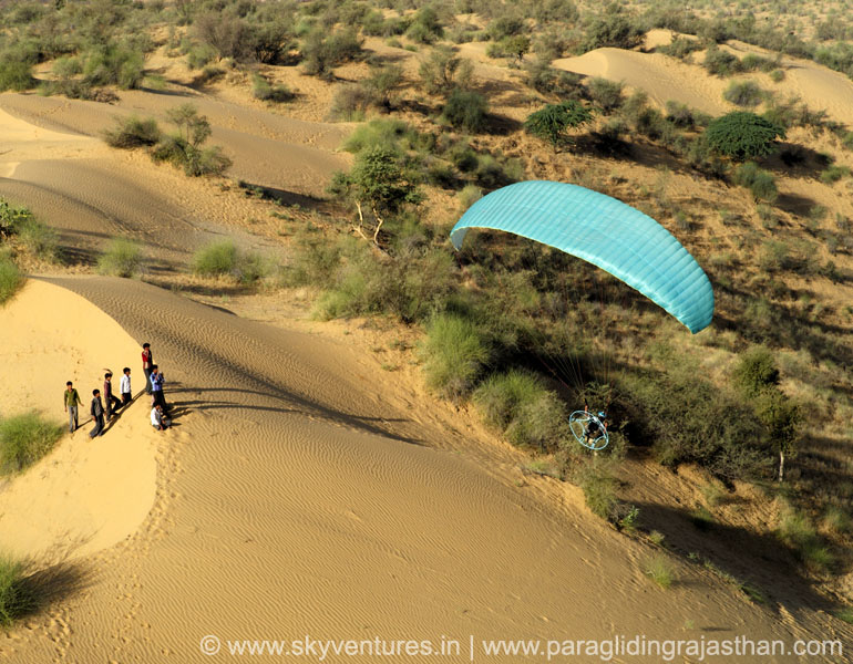 011. aerial photography paraglider helicopter rc plance